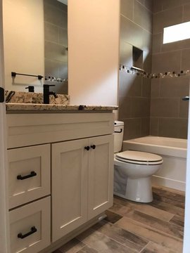 Florence Cabinets Bathroom Setting